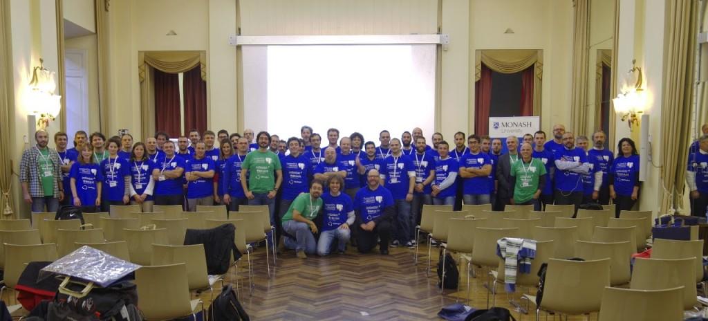 Una foto di gruppo del PGDay italiano 2013